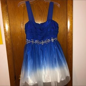 B.Darlin formal blue & white ombré juniors dress